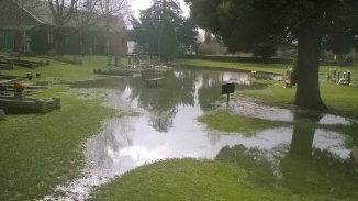 ... and its attractive temporary lake.